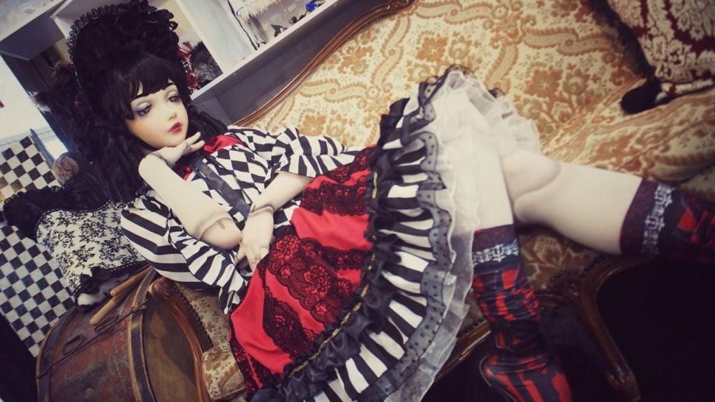 lulu hashimoto doll model at dangerous nude