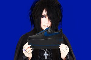 "Mana drops ""Elegant Gothic Lolita Aristocrat Vampire Romance"" sneakers containing vampire blood (APRIL FOOLS' DAY)"