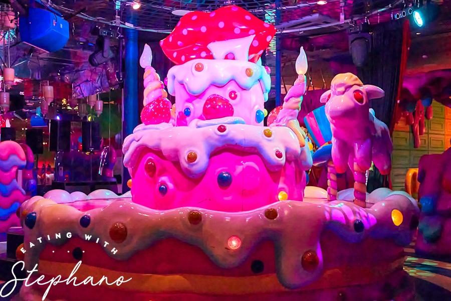kawaii monster cafe cake sculpture
