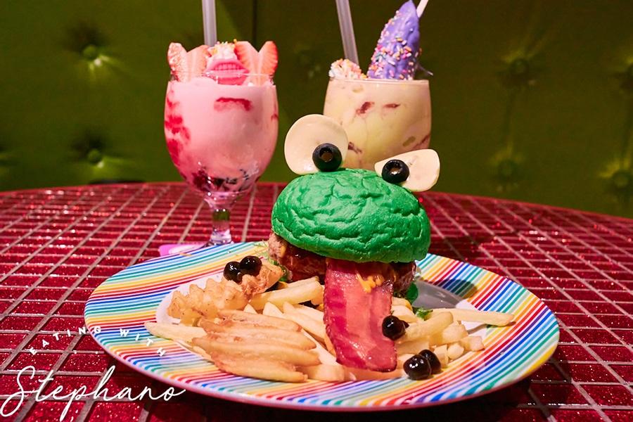 kawaii monster cafe burger and drinks 2